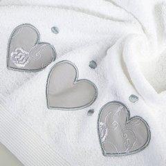 Miękki chłonny ręcznik kąpielowy biały z serduszkami 50x90 - 50 X 90 cm - biały 10