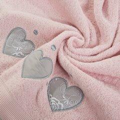 Miękki chłonny ręcznik kąpielowy pudrowy z serduszkami 70x140 - 70 X 140 cm - pudrowy 4