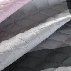 Pikowana narzuta srebrno-różowa z nadrukiem 200x220 cm - 200 X 220 cm - szary/różowy 6