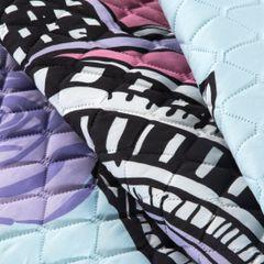 Lekka narzuta z kolorową młodzieżową grafiką 170x210 cm  - 170 X 210 cm - biały/czarny/błękitny/fioleto 6