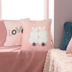 Różowa POSZEWKA Z MIKROFLANO z napisem LOVE romantyczny 45x45 cm - 45 X 45 cm - różowy/popielaty 2